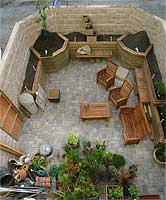 garden15May06tn.jpg