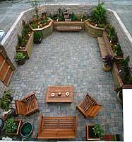 garden17May06tn.jpg