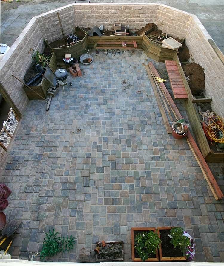 garden8May06.jpg